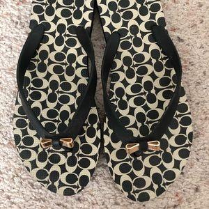Cute Coach Flip Flops Size 7-8